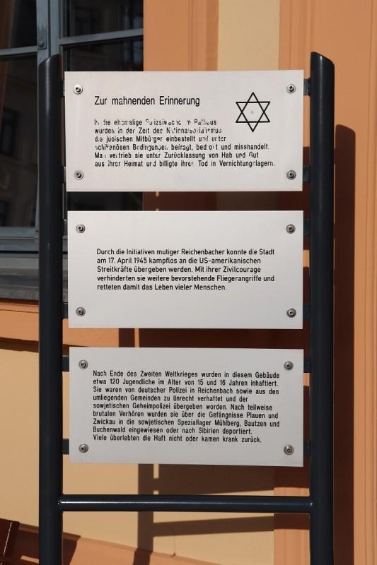 Gedenktafel-Ensemble am Rathaus von Reichenbach/Vogtland, November 2019. Foto: Gedenkstätte Buchenwald