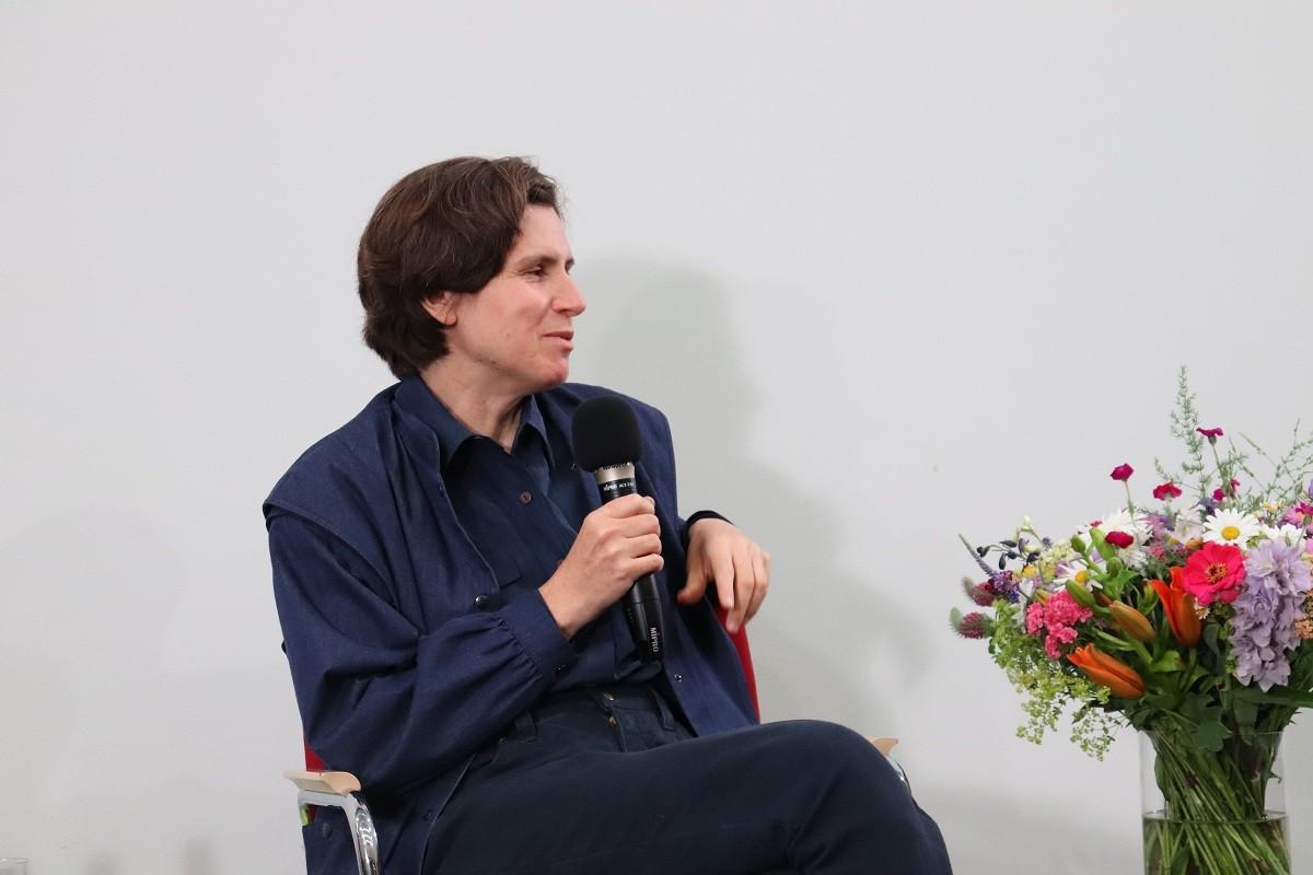 Judith Schalansky im Gespräch. Foto: Kathrin Schwarz